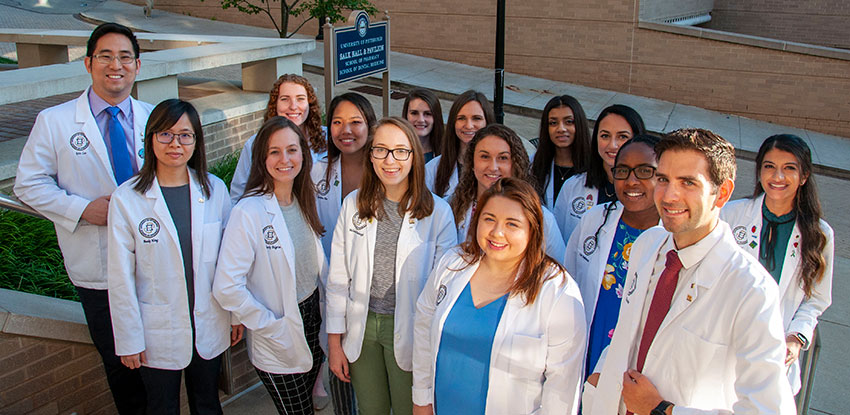 Group photo of th 2019-2020 PharmD student anbassadors